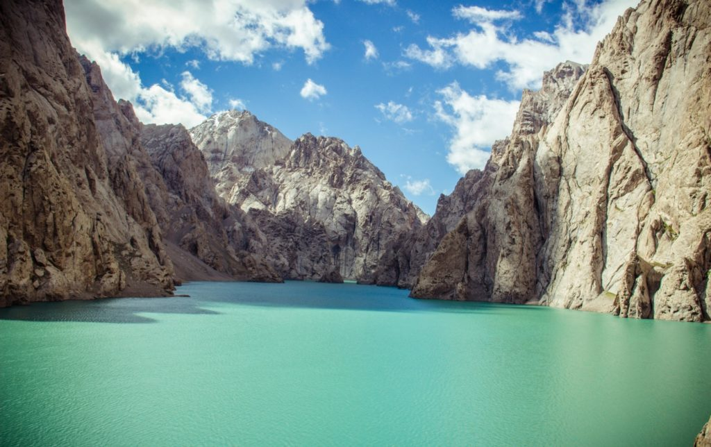 Travel to Kyrgyzstan: A Short Guide | too kg