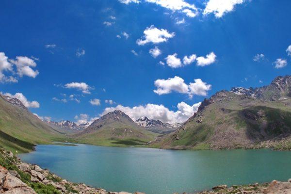 Озеро Беш-Таш